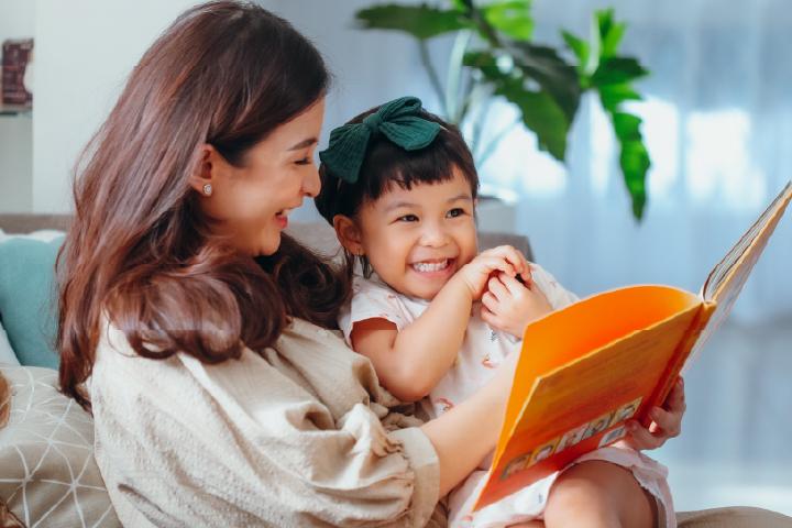 Nastusha jadi Kakak, Ini 5 Cara Mempersiapkan Anak Menjadi Kakak
